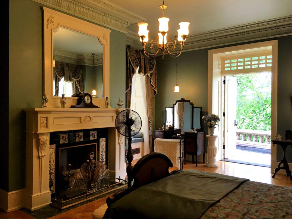 Louise's suite inside Boldt Castle.