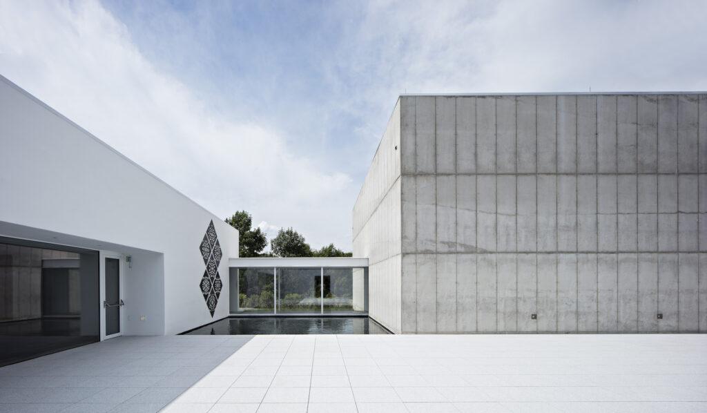 Magazzino Italian Art's courtyard and pool