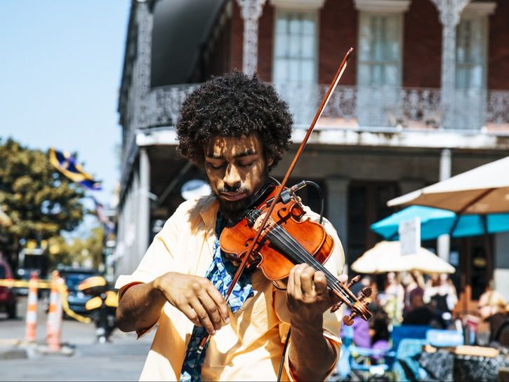 Man playing violin on the streets of New Orleans