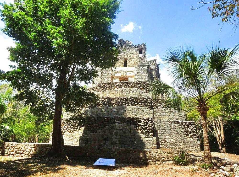 Mayan pyramid at Muyil.
