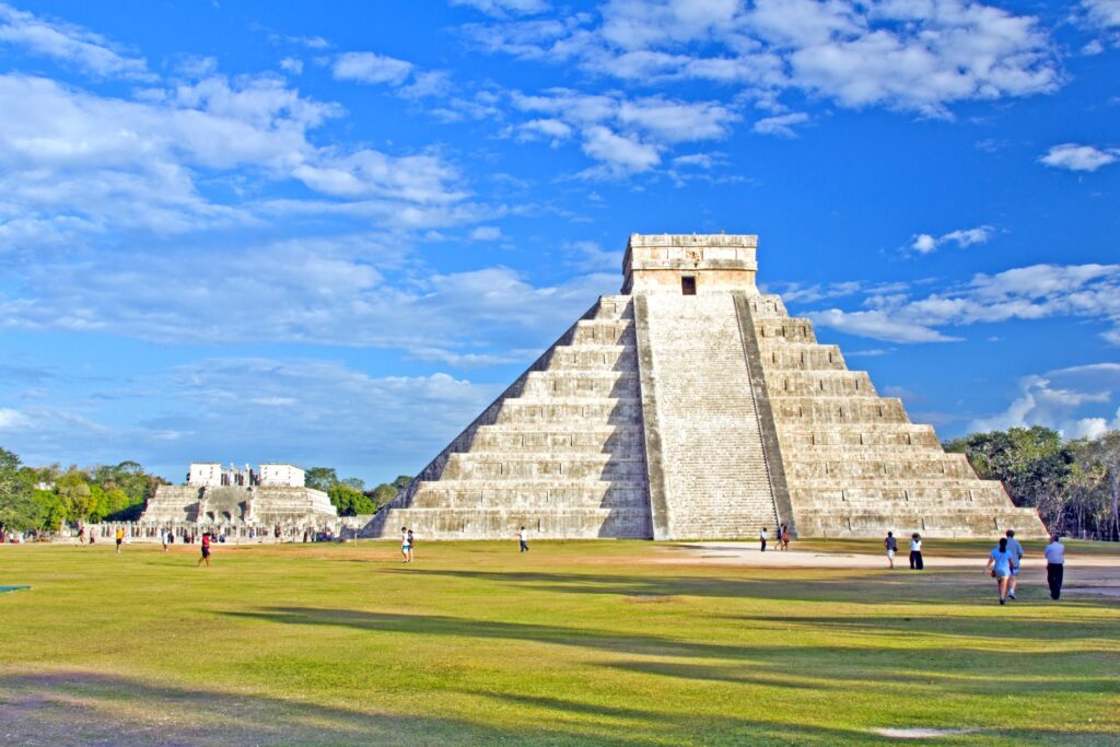 Mayan pyramid of Kukulcan El Castillo in Chichen Itza.