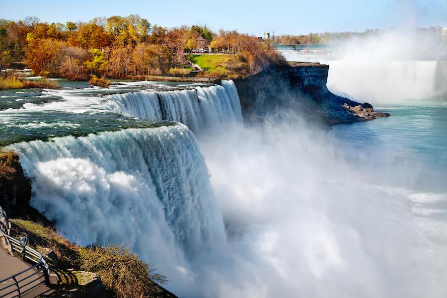 Niagara Falls during autumn.