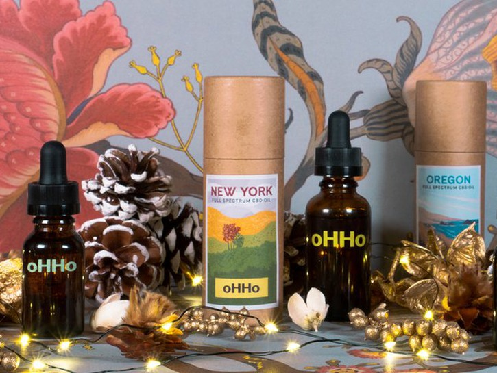 oHHo CBD Oil with decor