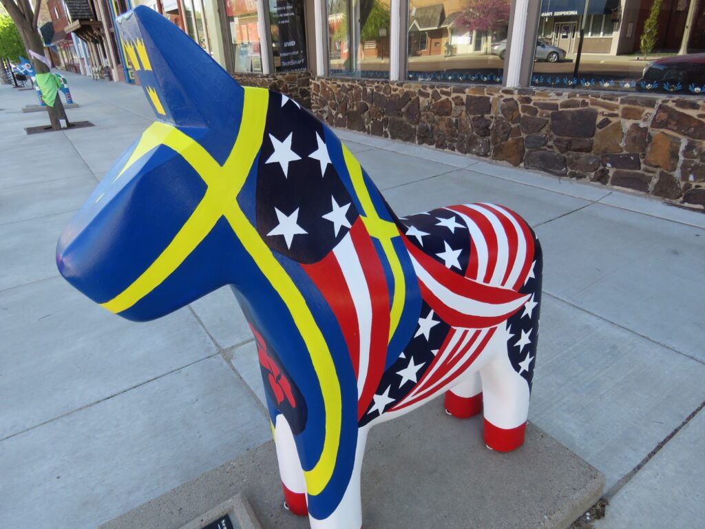 One of the dala horse sculptures in Lindsborg.