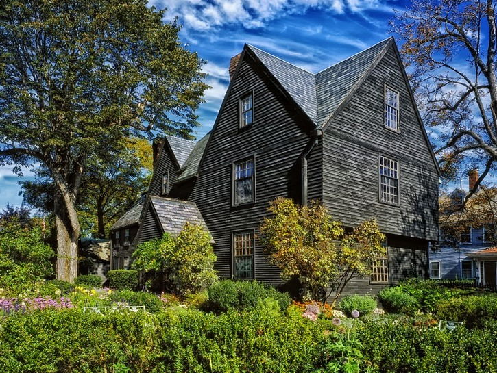 Outside view of The House of the Seven Gables