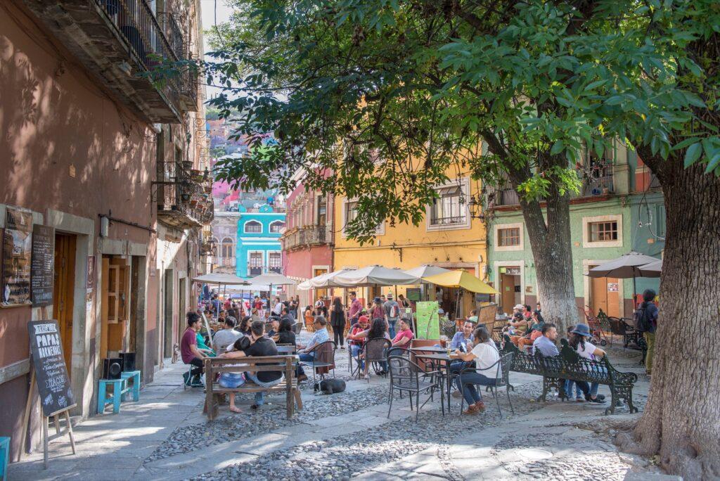 People eating in Guanajuato.