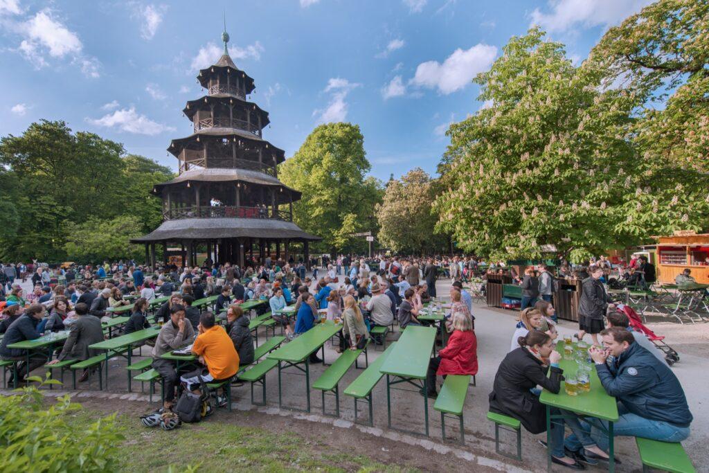 People enjoying beer at the Chinesischer Turm.