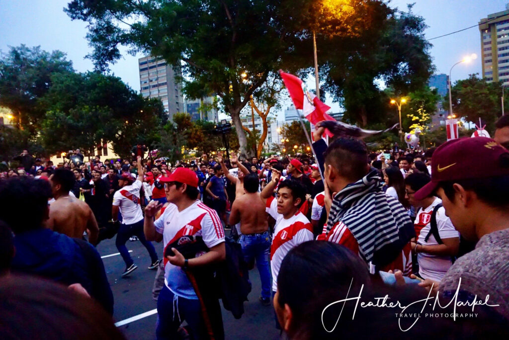 Peruvian football fans in the streets.