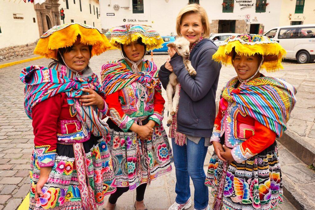 peruvian women in cusco