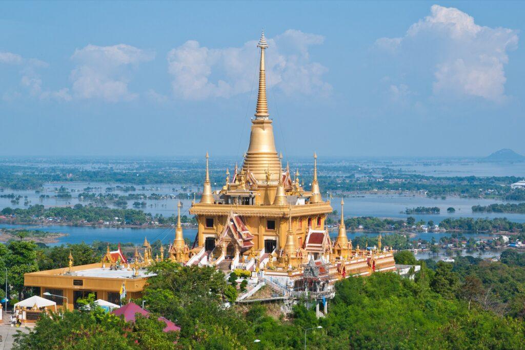 Phra Chula Manee Pagoda in Nakhon Sawan.