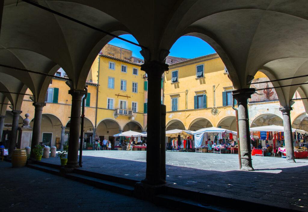Piazza delle Vettovaglie in Pisa, Italy.