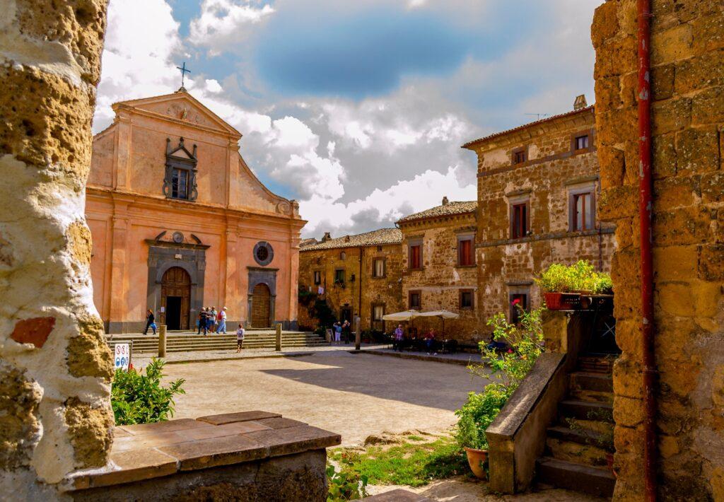 Piazza San Donato in Civita di Bagnoregio.