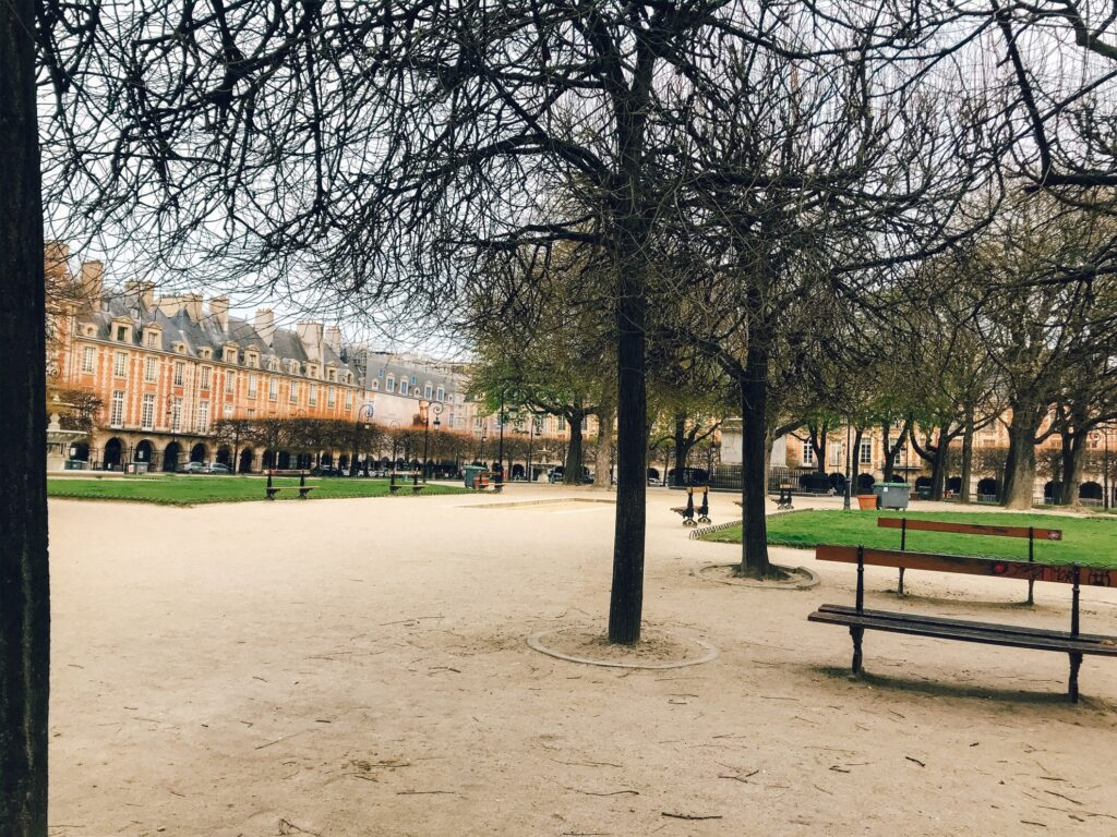 Place des Vosges in Paris without any tourists.