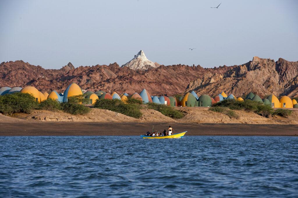 Presence in Hormuz from the shoreline.