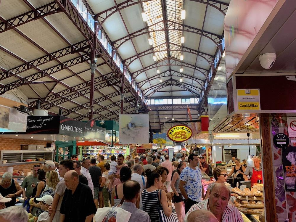 Public market in Narbonne.