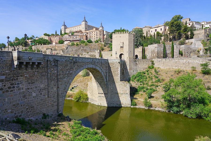 Puente de Alcantara, the Roman bridge in Toledo.