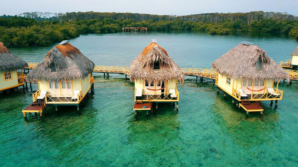 Punta Caracol Acqua Lodge.