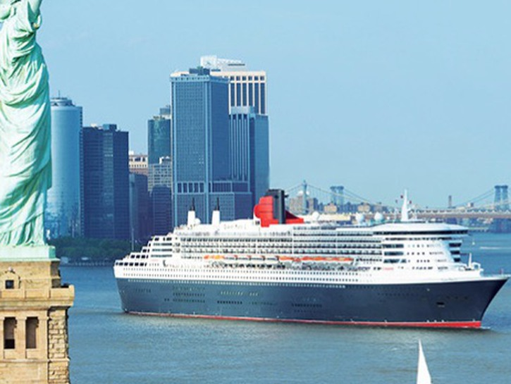 Queen Mary 2 in NYC near Statue of Liberty