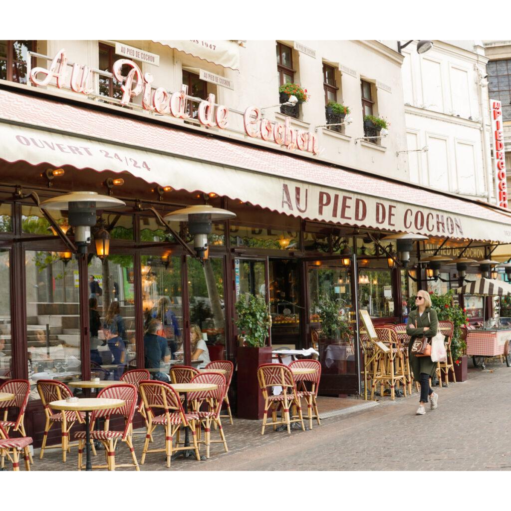 Restaurant, Au Pied de Cochon in Paris.