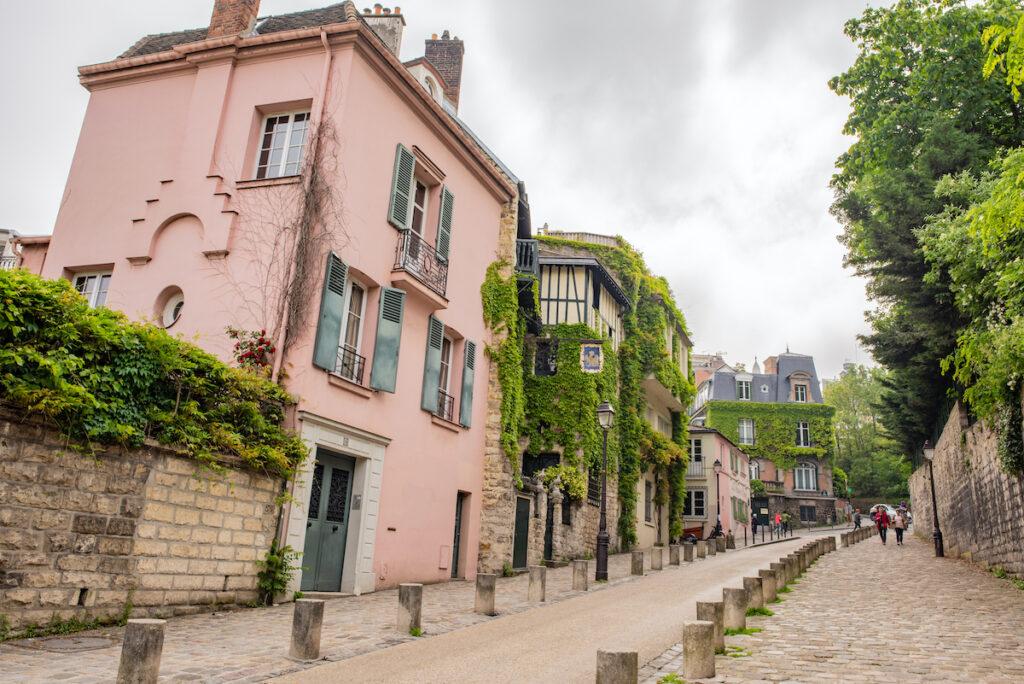 Rue de l'Abreuvoir in Montmartre.