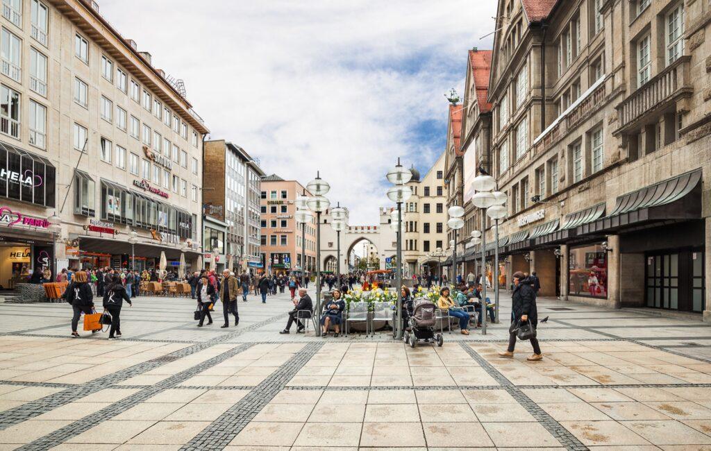 Shoppers at Sendlinger Strasse in Munich.