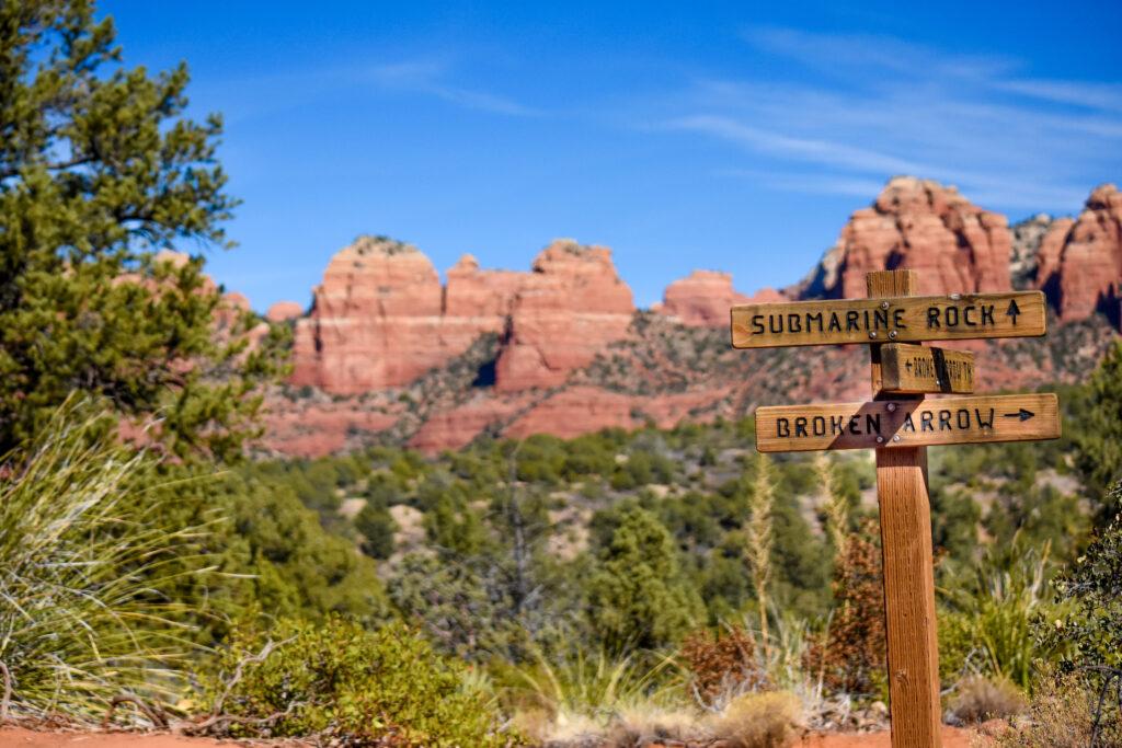 Sign for the Broken Arrow trail in Sedona, Arizona.