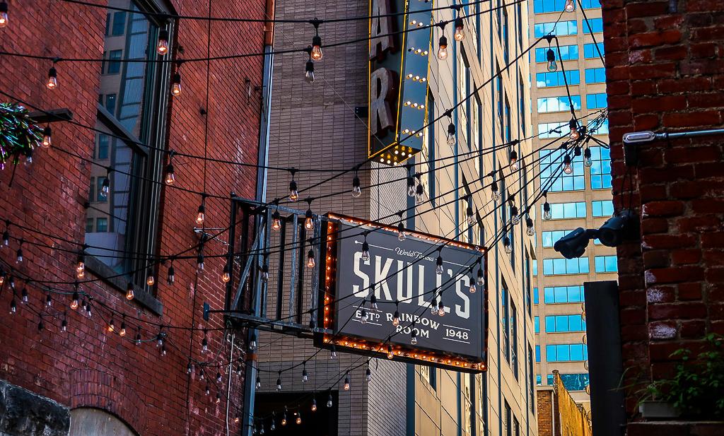 Skull's Rainbow Room in Nashville