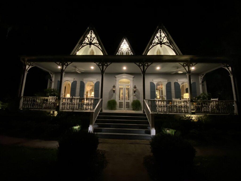 St. Francisville Inn at night.