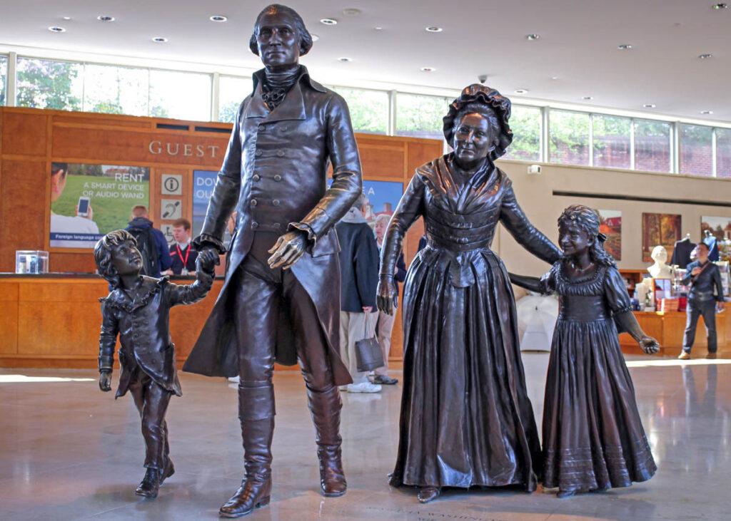 Statue of the Washington family.