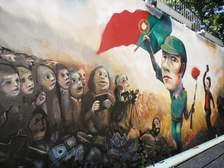 Street Art depicting the Carnation Revolution