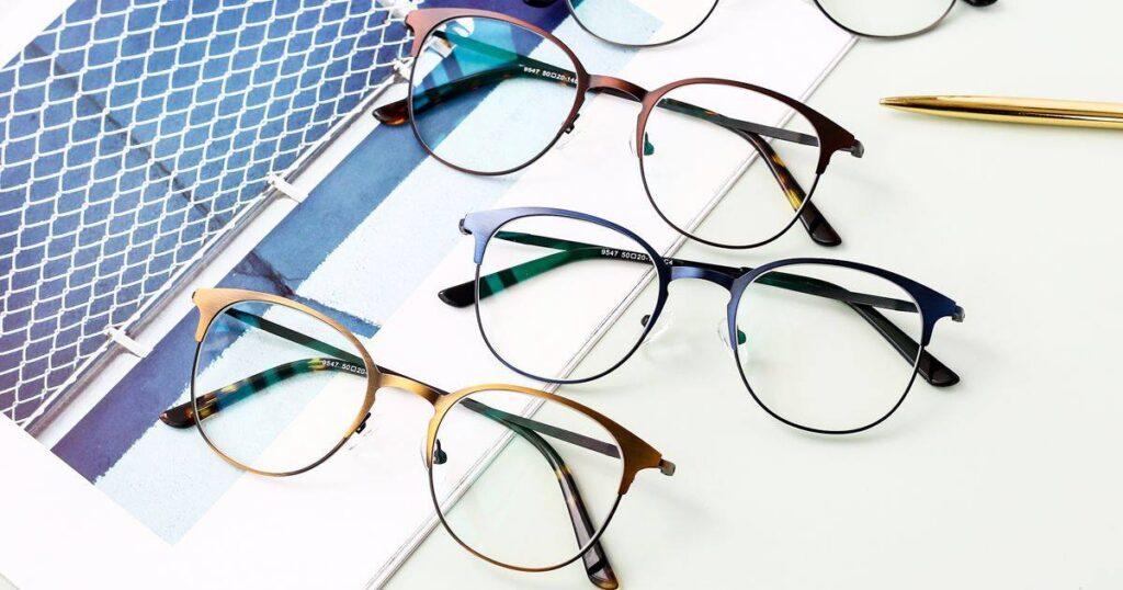 Stylish prescription glasses from Yesglasses.