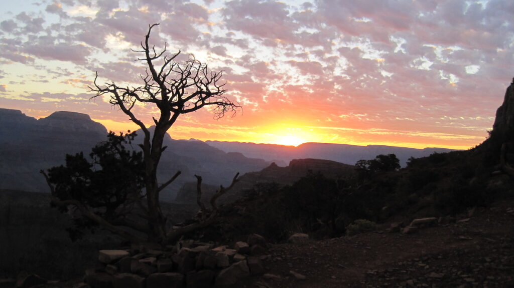 Sunrise views from the South Kaibab Trail at the Grand Canyon.