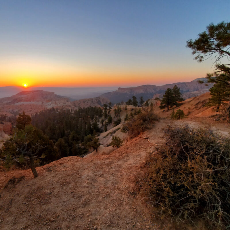 Sunrise views in Bryce Canyon National Park.