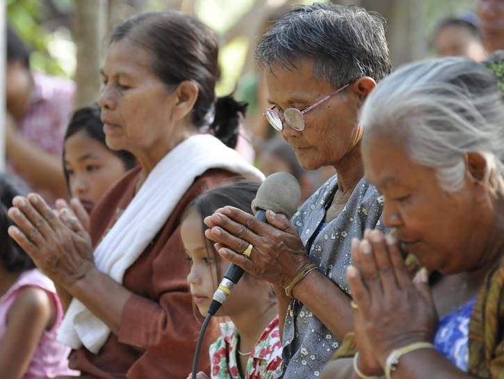 Thai people give Wai