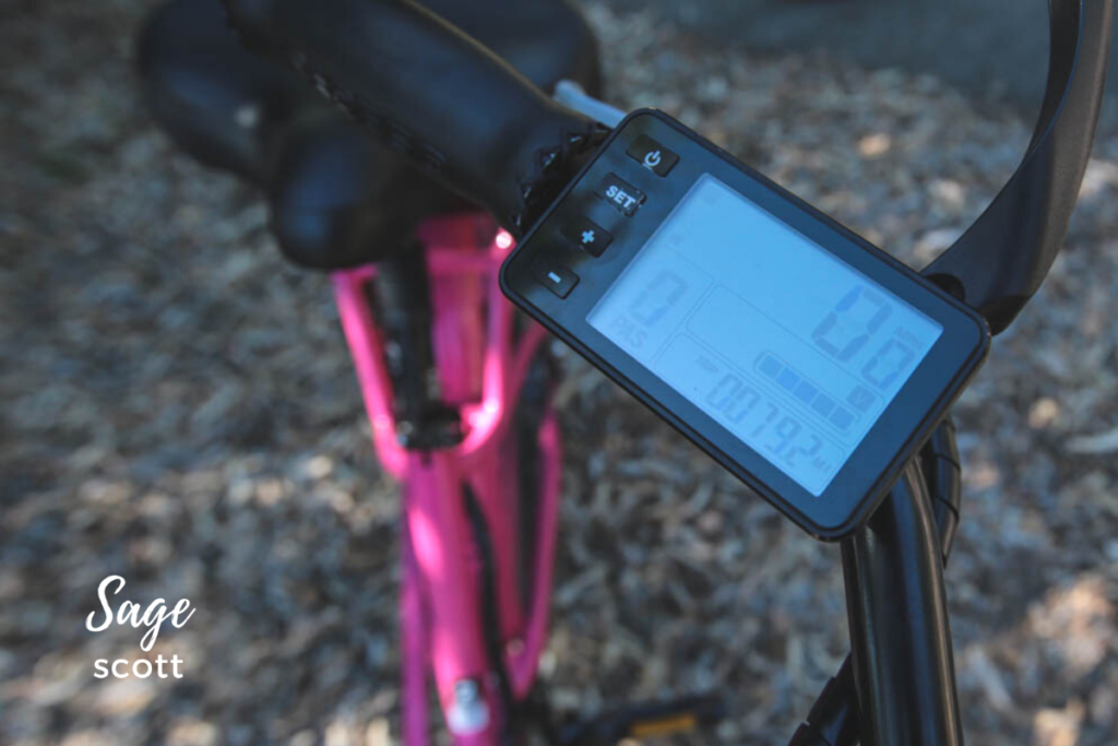 The battery life panel on an electric bike.