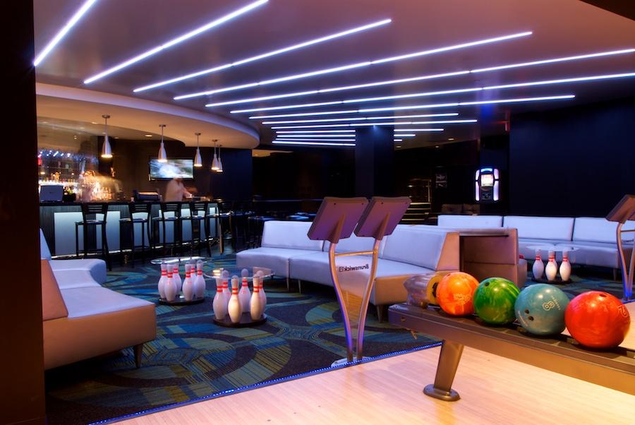 The bowling alley in Hotel Blackhawk.