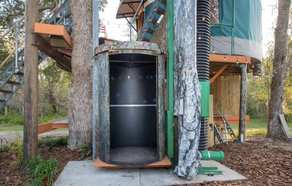 The elevator at the treehouse Airbnb in Florida.