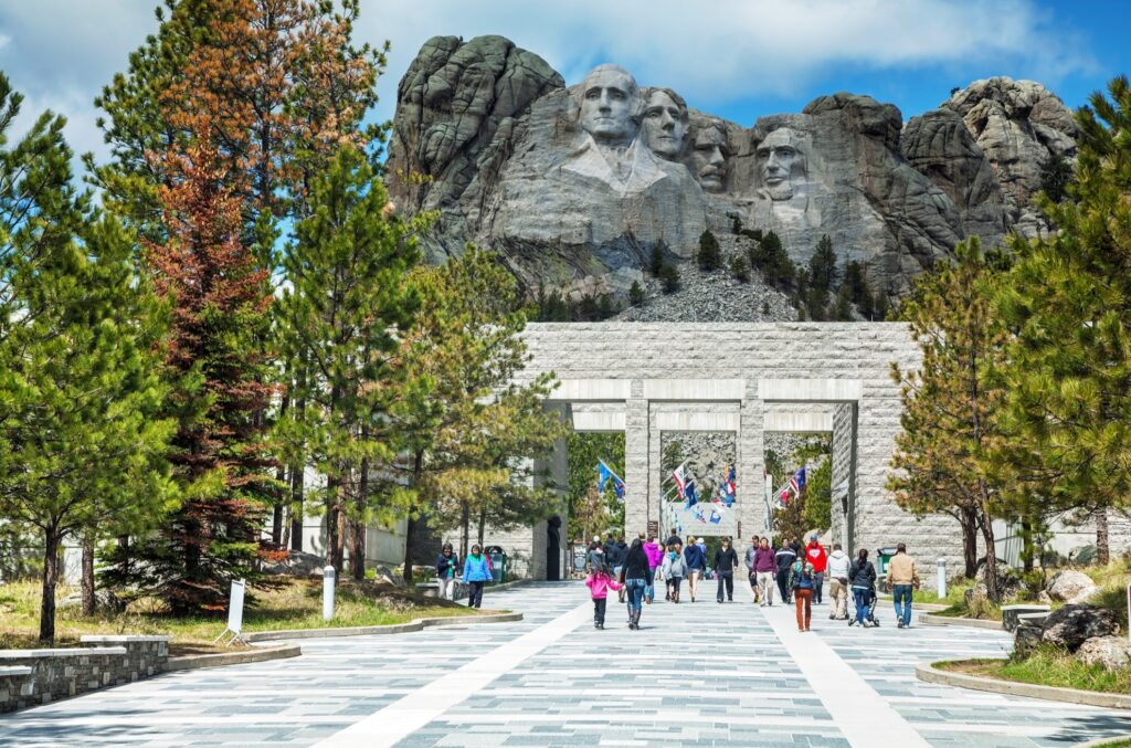 The entrance to the Mount Rushmore park.