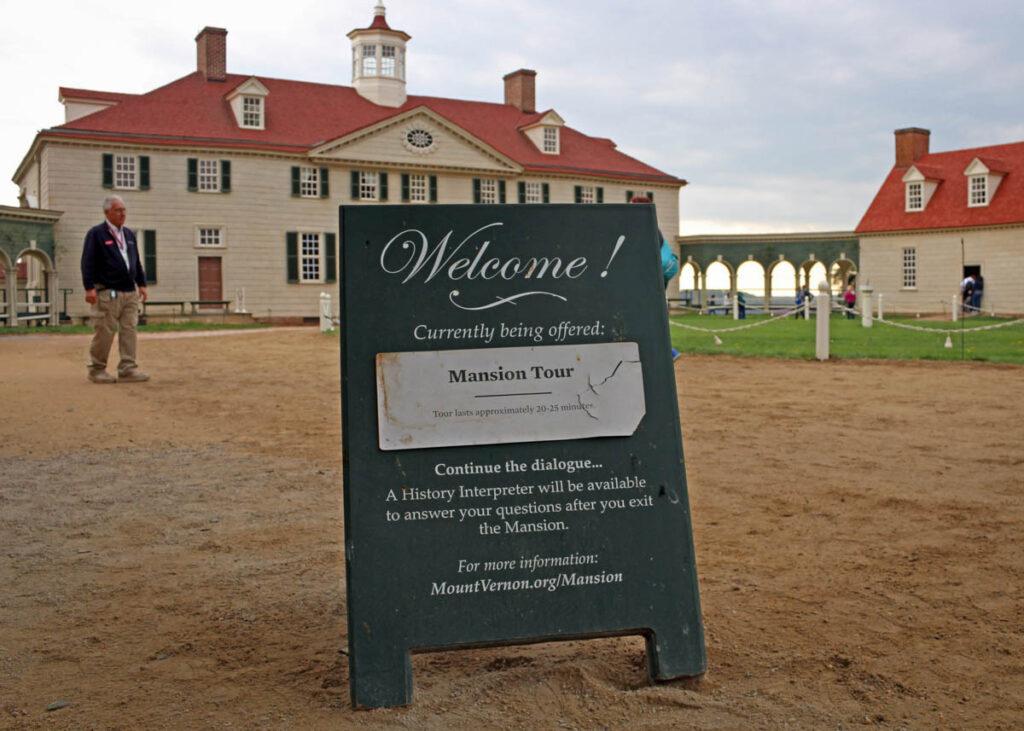 The entrance to Washington's Mansion.