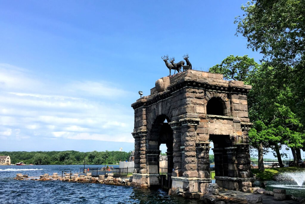 The entry arch at Boldt Castle.