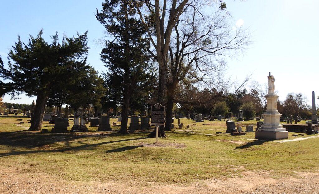 The Evergreen Cemetery in Paris, Texas.