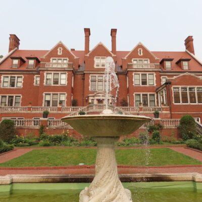 The exterior of Glensheen Mansion.