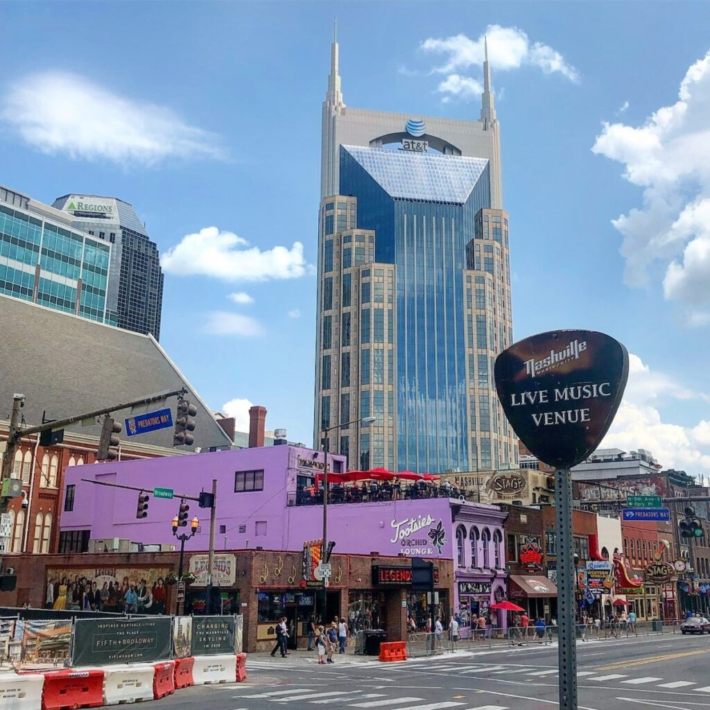 The exterior of Tootsies in downtown Nashville.