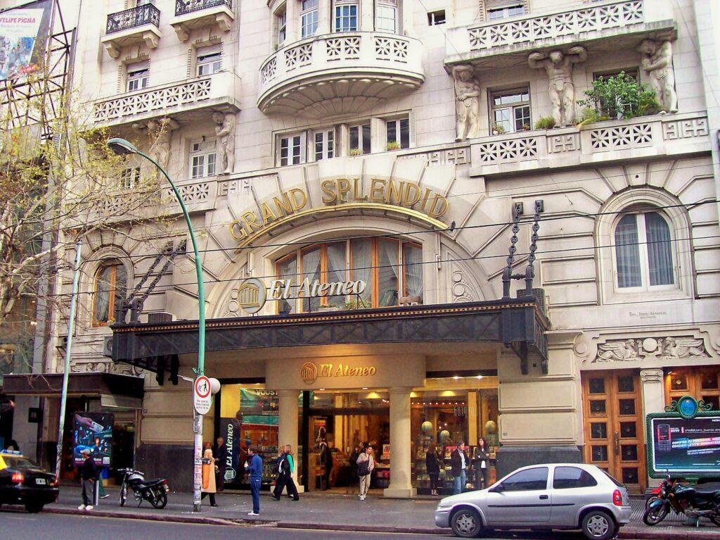 The front entrance to El Ateneo Grand Splendid.