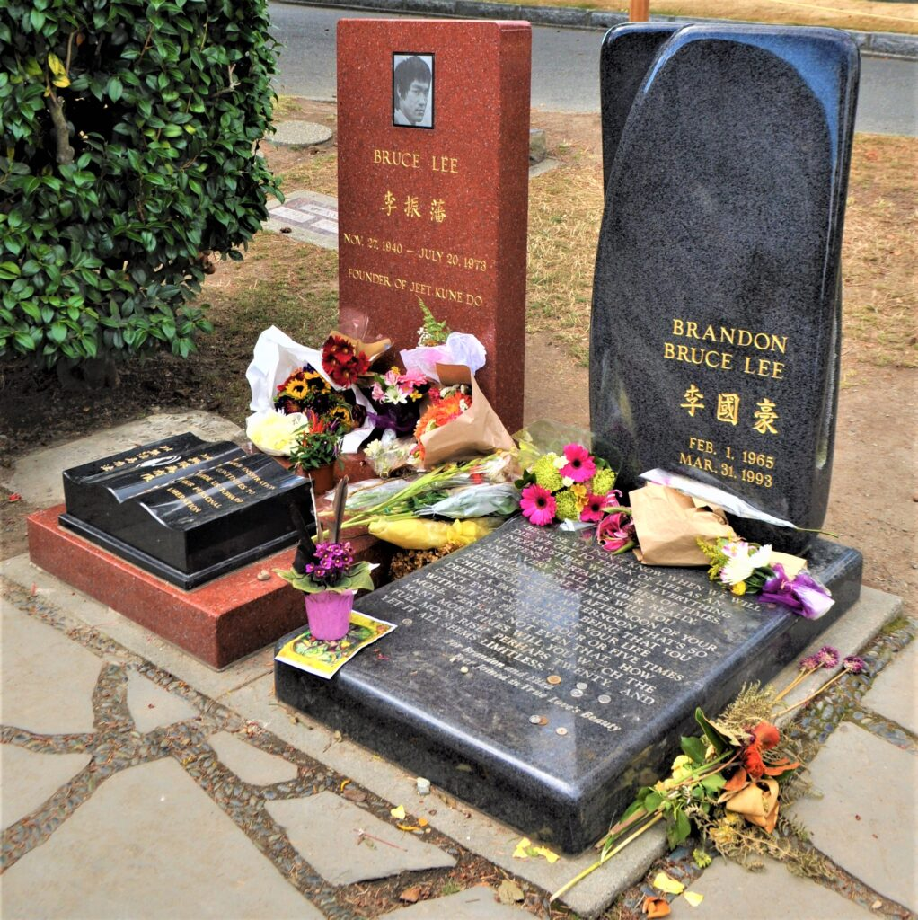 The graves of Bruce Lee in Washington.