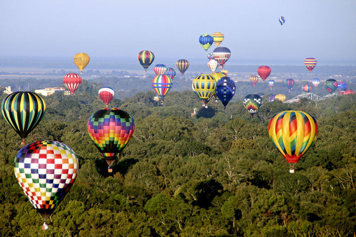 The Great Mississippi River Balloon Race.