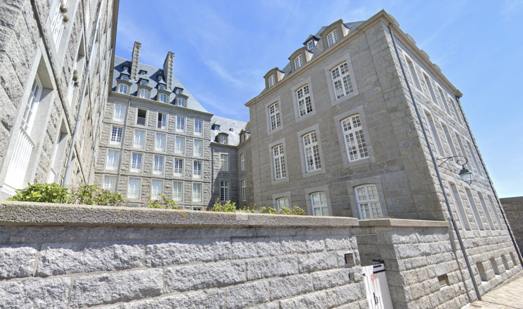 The house at 4 Rue Vauborel.
