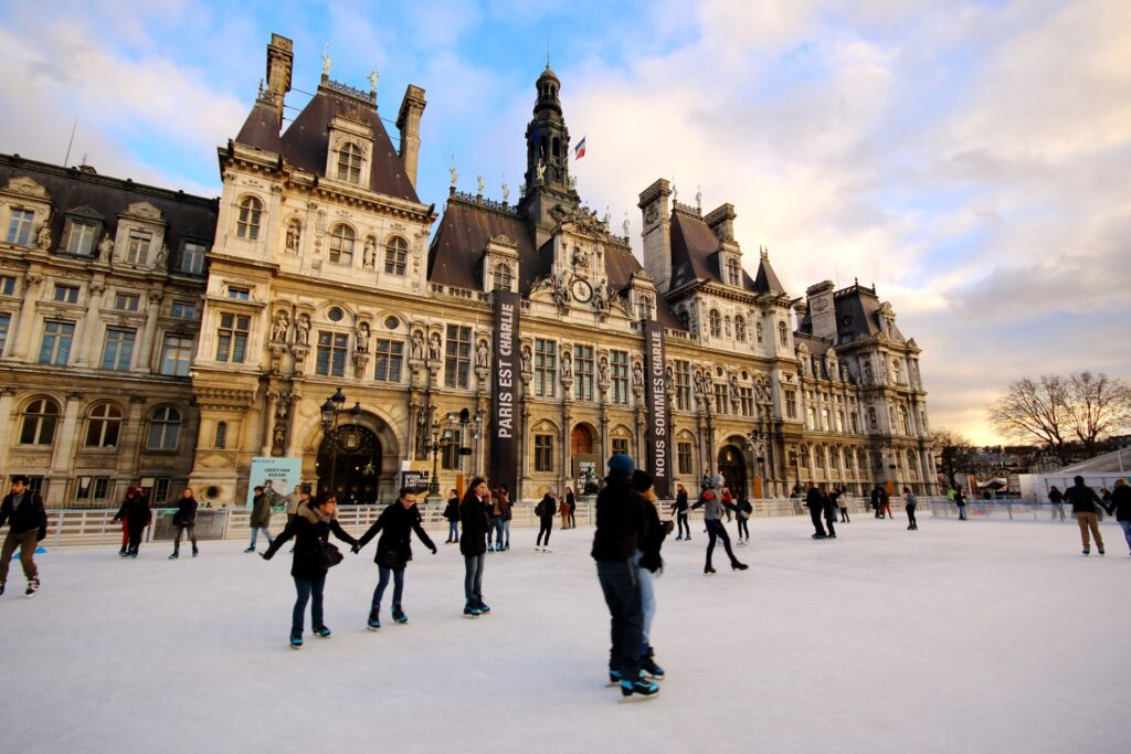 The ice skating rink in front of the Hotel de Ville.