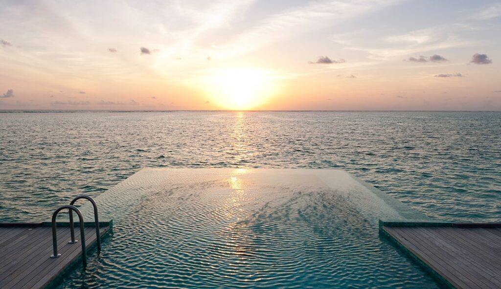 The infinity pool in the villas.