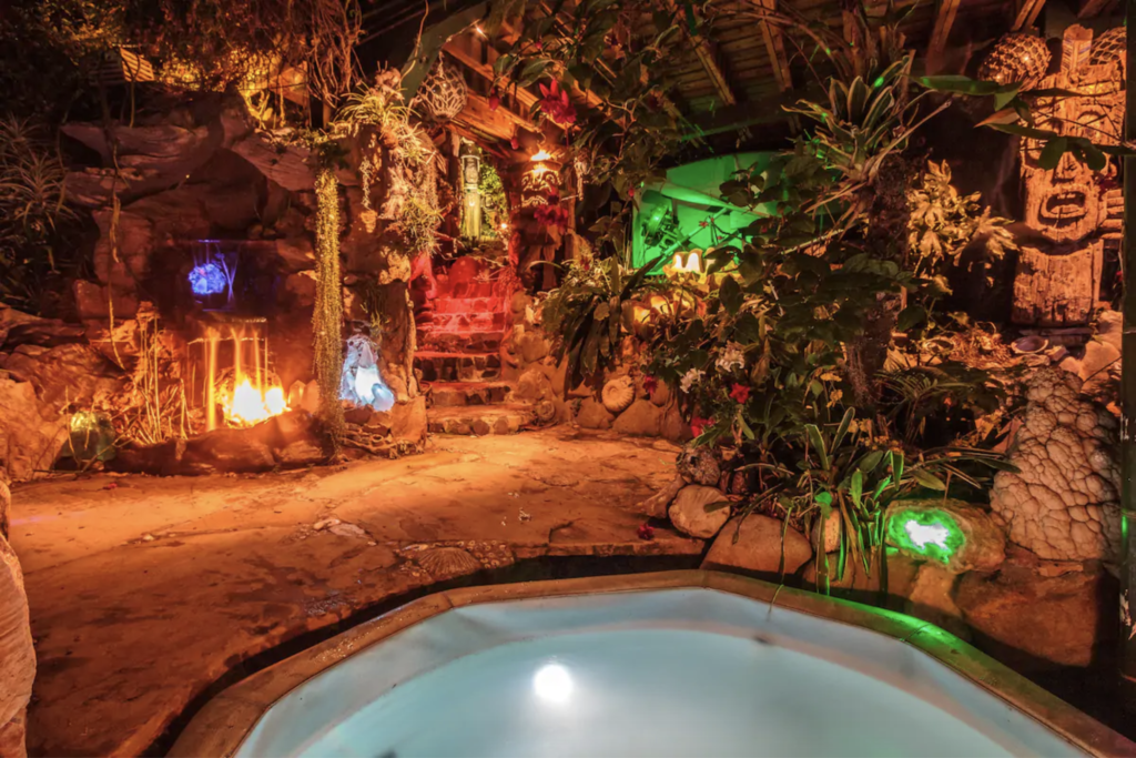 The jacuzzi at the Pirates of the Caribbean Getaway Airbnb.